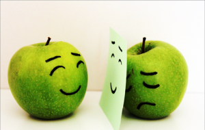 fake-smil-apples
